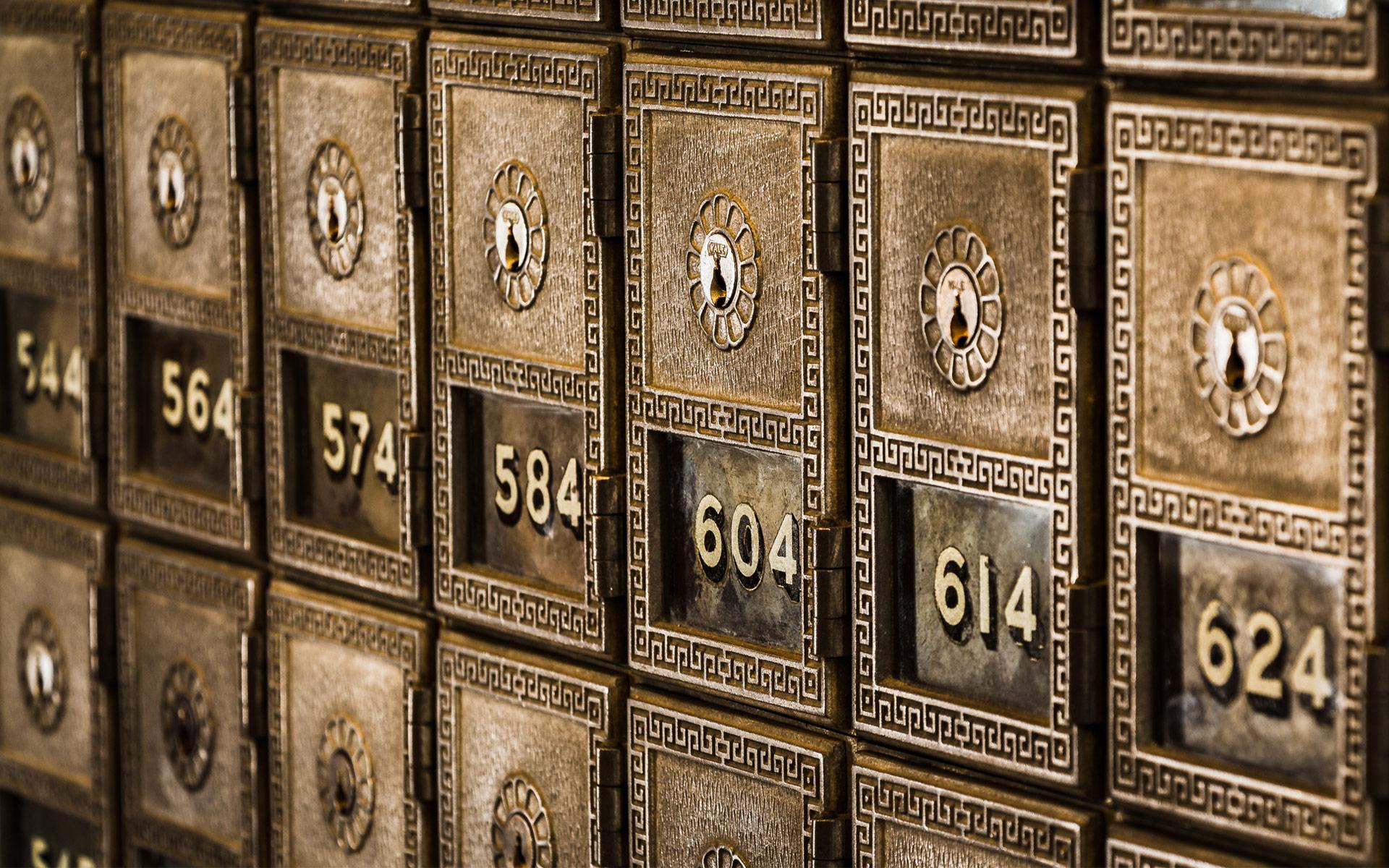 Standout Image - Safe deposit boxes