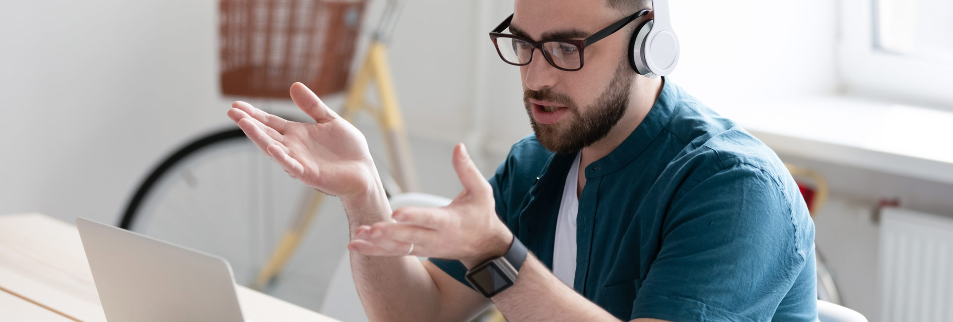 Full Hero - Careers - Smart Working 2